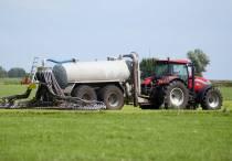 Minister geeft Friese gemeenten twee weken uitstel voor bemesten