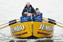 Jumbo zet hoofdsponsorschap sloeproeiers voort