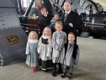 FOTO'S / Woudagemaal sluit jubileum af met bezoek koningin Wilhelmina