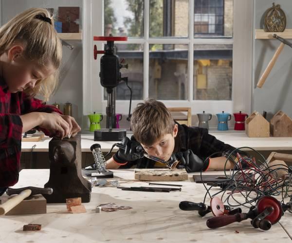 Maak een Tiereletangel bij De Maakfabriek in Museum Joure