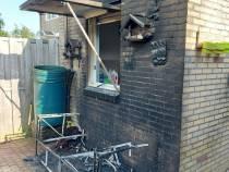 Buren blussen tuinbankje in Lemmer