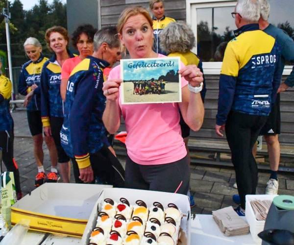 Vrony de Jong uit Sint Nicolaasga wint verkiezing Trainer van het Jaar 2021