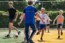 FOTO'S / Kinderen vermaken zich met diverse sporten