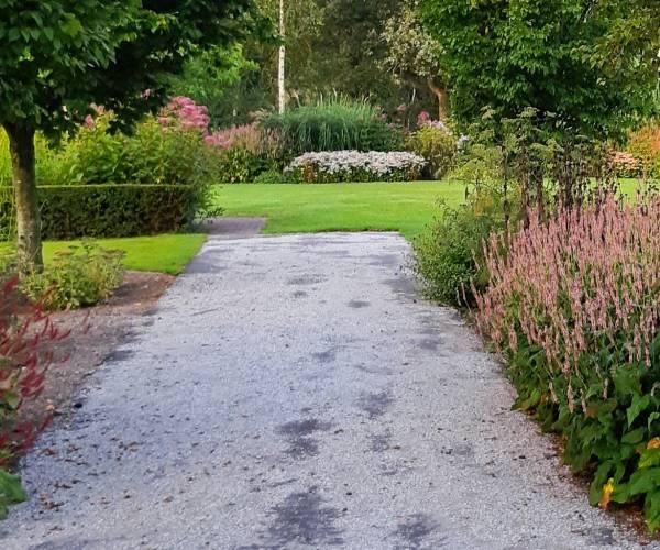 Begraafplaats in Sloten krijgt grote opknapbeurt