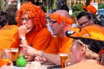 Barkruk 'kopen' tijdens EK voetbal, steun voor vier Jouster cafés