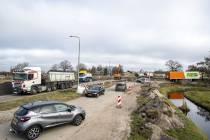 FOTO'S Lastig begin voor verkeer bypass Tramwei bij Broek-Zuid