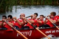 FOTO'S / Jouster 'Bearen' teams machtig bij 11e Sloepenrace Langweer