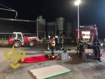 Brandweer haalt meerdere koeien uit de gierput in Nijemirdum