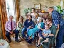 Anneke Sieperda debuteert met Friese roman 'Omsjen'
