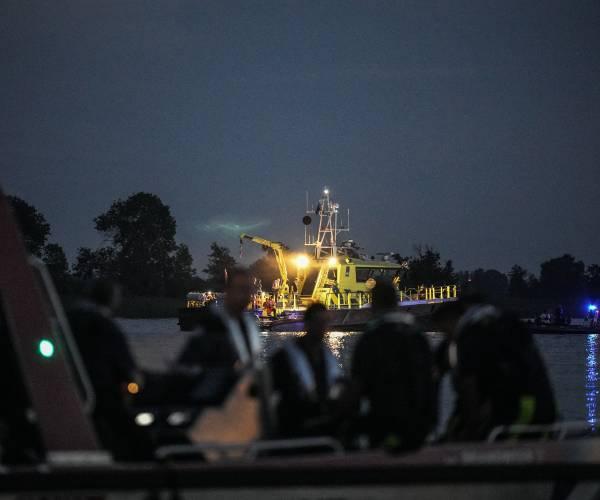 FOTO'S / Hulpdiensten oefenen waterincidenten op de Langwarder Wielen