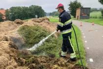 Bermgras in brand bij Oosterzee