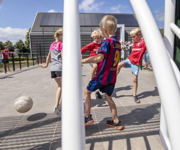 Groot pannatoernooi voor kinderen in Langweer
