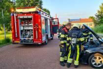 Brandweer Echten naar rokende auto