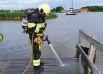 Brandweer rukt met spoed uit voor vuurtje op steiger in Lemmer