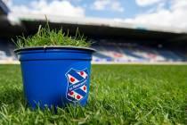 sc Heerenveen gaat graszoden van het Abe Lenstra Stadion uitdelen