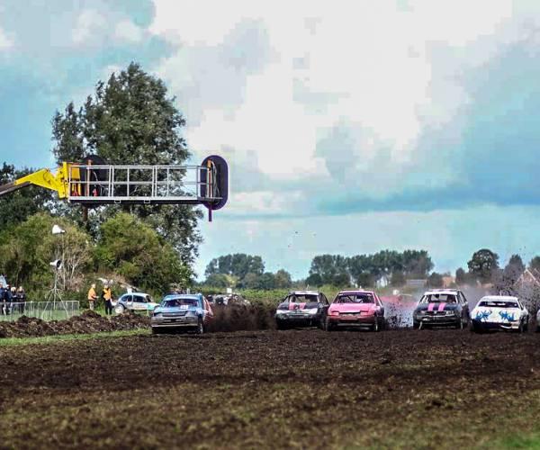 Coronamaatregels zitten Autocross Bantega nog steeds dwars