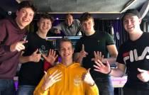 VIDEO / Vriendengroep Zatje maakt nummer met Feest DJ Maarten