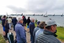 FOTO'S / Friese Hoek Race 2021 begin en einde skûtsjeseizoen