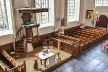 Vloer Hobbe van Baerdt Kerk in Joure onder handen genomen