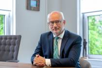 Gemeenteraad buigt zich over herbenoeming burgemeester Fred Veenstra