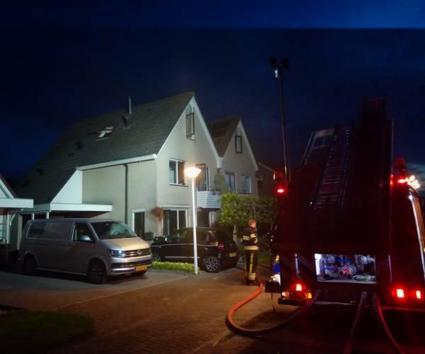 Rookmelder wekt bewoners bij brand in Lemmer