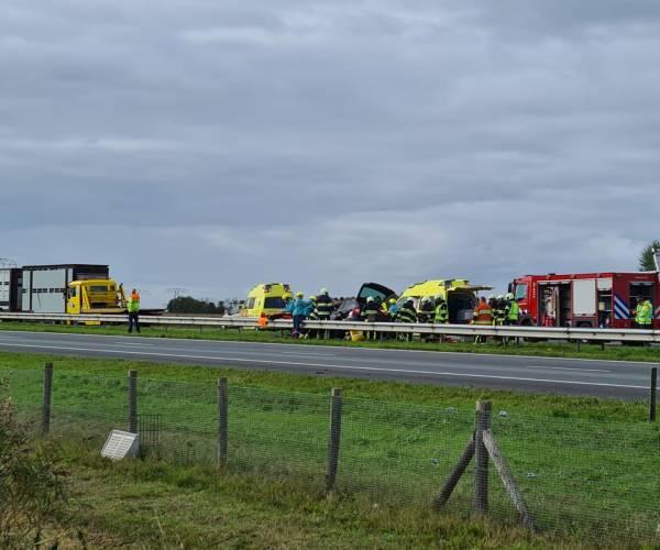 Ernstig ongeval op A6 bij Sint Nicolaasga, weg afgesloten tussen Joure en Lemmer